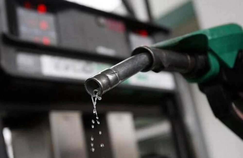 India's Petroleum consumption contracts 9.1% in FY21