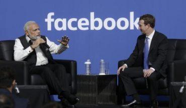 PM Narendra Modi with Facebook CEO Zuckerberg
