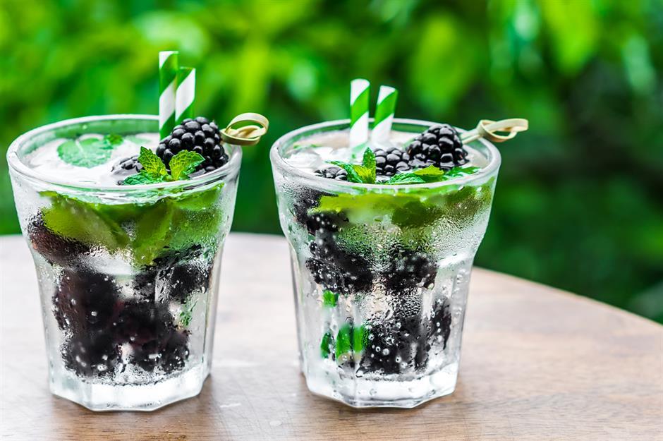31 genius hacks to make your water taste delicious