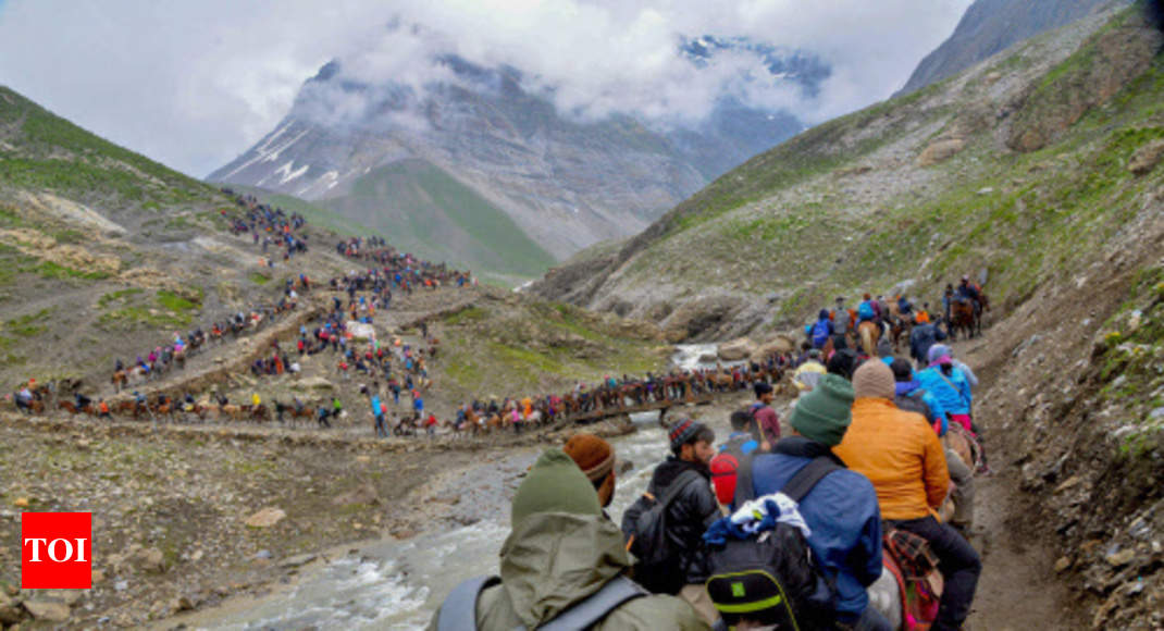 Amarnath yatra resumes from Jammu after 2-day suspension