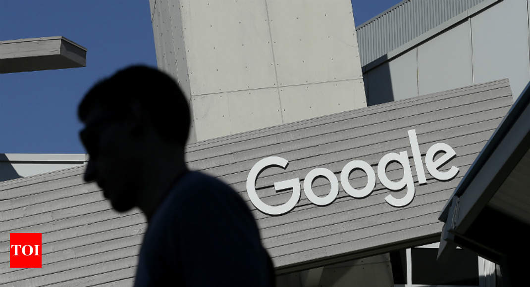Google backtracks on 'secretive' China plan following protest by more than 1,000 employees