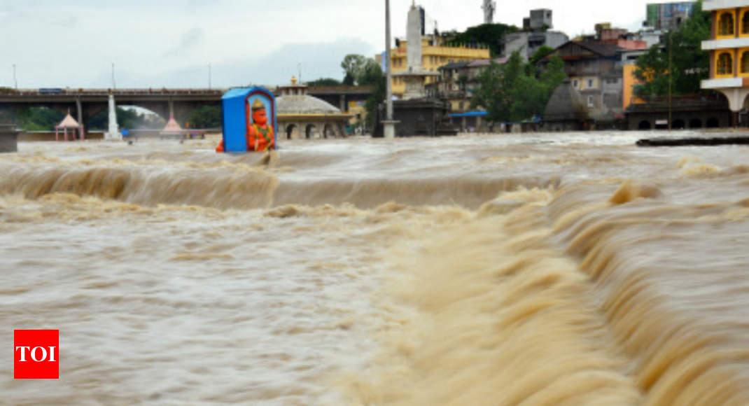 Godavari river in spate in AP,Telangana