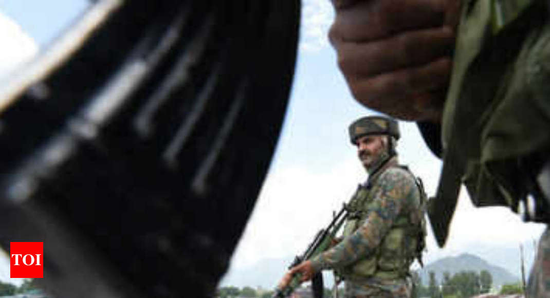Major, 3 soldiers killed while battling terrorists near LoC