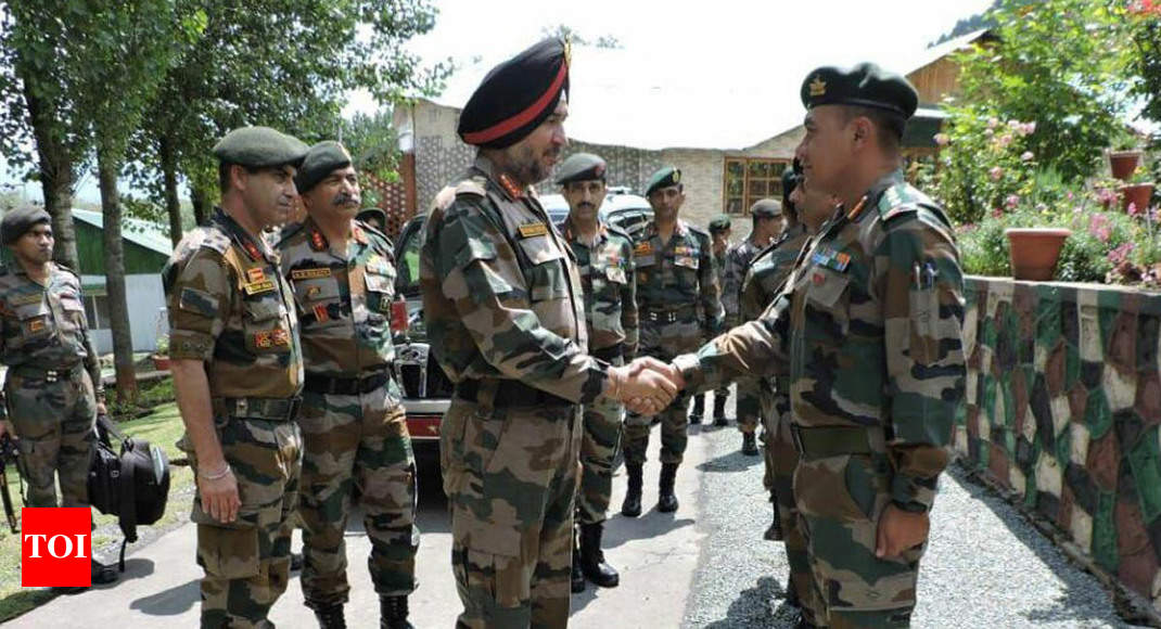 Northern Army commander takes stock of security situation in Kashmir