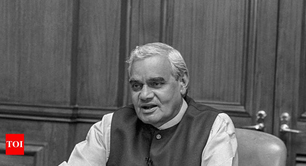 Vajpayee's ashes will be immersed in 4-5 Jharkhand rivers: CM